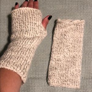 Accessories - Gloves with thumbhole
